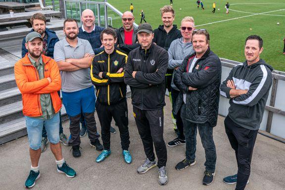 Denne gjengen har totalforvandlet Riska FK: – Drivkraften er å se gledene i øynene på spillerne og trenerne