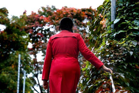 Dumpede koner blir fratatt pass, ID-kort og penger.