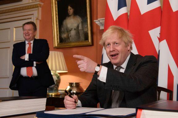 Brexitavtalen ble britisk lov i siste liten