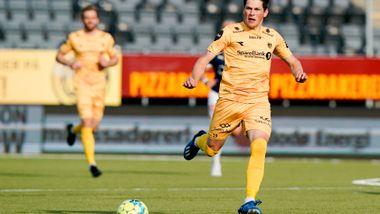 For ett år siden spilte Fet mot Notodden. På torsdag venter Zlatan i Italia.