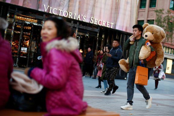 Kinas unge generasjon Z havnet midt i smørøyet: Bruker 60.000 i året på luksusvarer