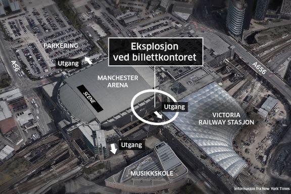 Her løper folk i panikk etter eksplosjonen i Manchester