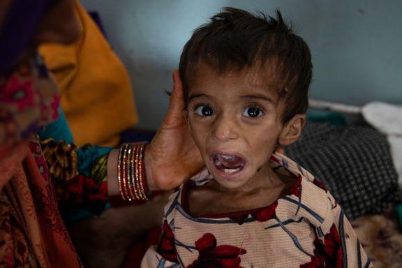 Landet trues av kollaps. Sykehusene fylles opp av underernærte barn.
