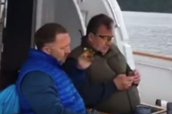 Disse bildene tatt av en eskortepike ble i helgen forbudt i Russland. De er fra en hemmelig fisketur i Norge.