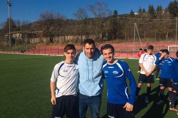 Andreas (17) fra Os spiller fotball for Nord-Korea