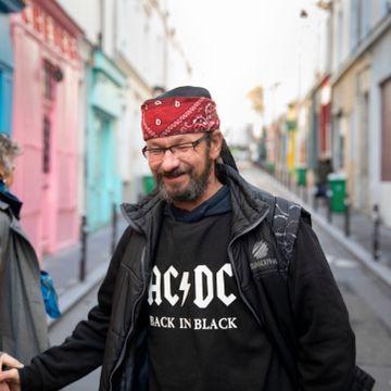 Chris Page hadde jobb, leilighet, familie. Likevel havnet han på gaten i Paris.