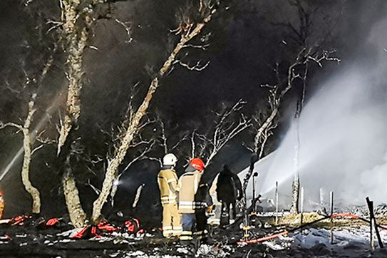 Alle fem funnet omkommet på branntomten i Andøy