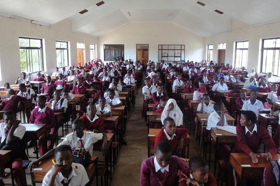Tanzania nekter jenter å komme tilbake til skolen etter graviditet. Nå trekker Verdensbanken tilbake milliardlån.