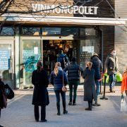 Vinmonopolet ser «hjemmekontoreffekt»: 98 prosent handler fysisk i butikk