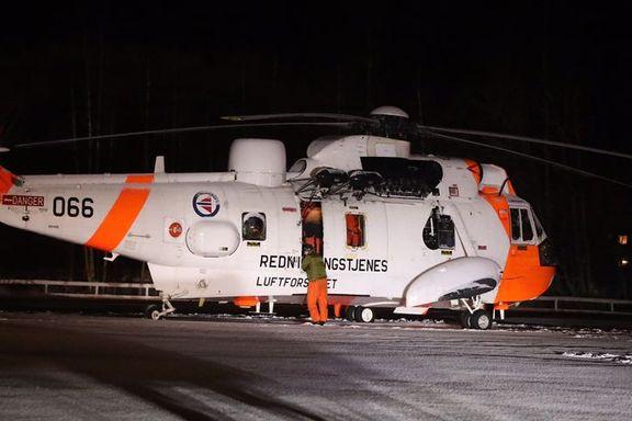 Redningshelikopter tvunget ned på bakken av været