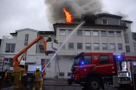 Én person bekreftet omkommet i brann på Måløy