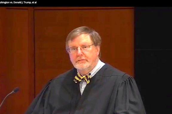Her sier Bush-dommeren fem ord som ryster Det hvite hus