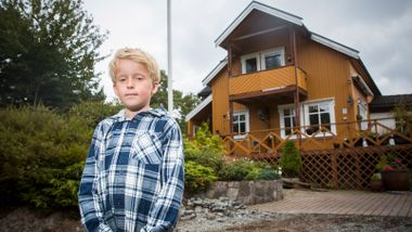 Da Viljar (10) hørte brannalarmen, handlet han på instinkt. Slik reagerer vi i nødssituasjoner.