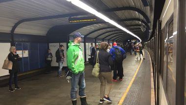 Store forsinkelser på T-banen i Oslo: – Feilen er rettet