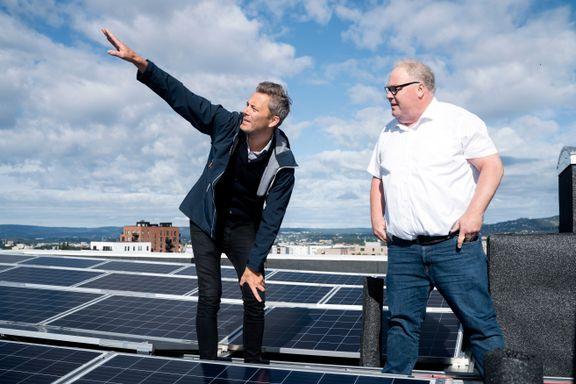 Mener solcellepaneler på boligblokker kan erstatte vindkraftbehov: – Vi kommer til å ha behov for elektrisiteten