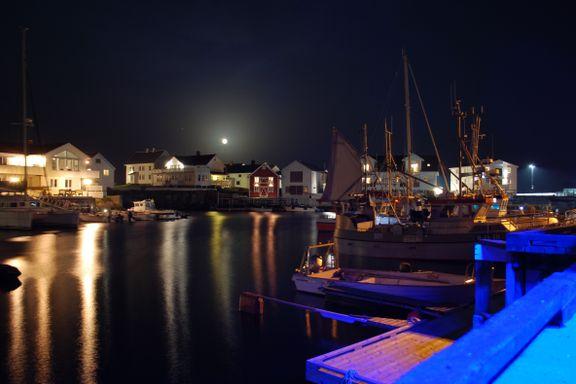 Dette gamle fiskeværet ligger 100 mil sør for Lofoten og er vel verdt å ha med i årets reiseplaner