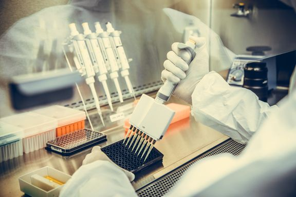 Pasientene kan få kartlagt over 500 gener. Det kan ha mye å si for  behandlingen.
