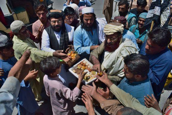 Her feirer islamister Kabuls fall med kake. Talibans seier kan påvirke terrorgrupper verden rundt.