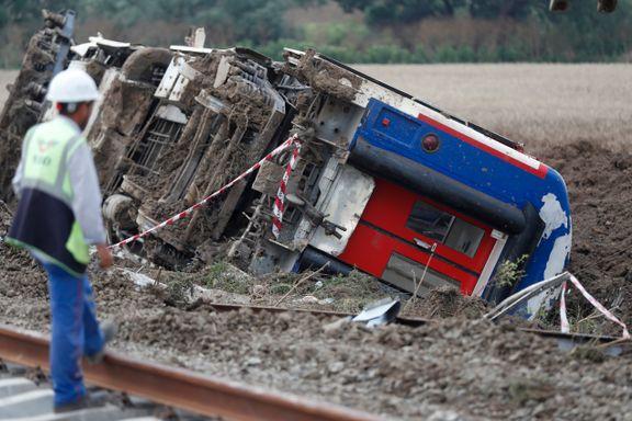 Minst 24 mennesker omkom i togulykke i Tyrkia - titalls skadet