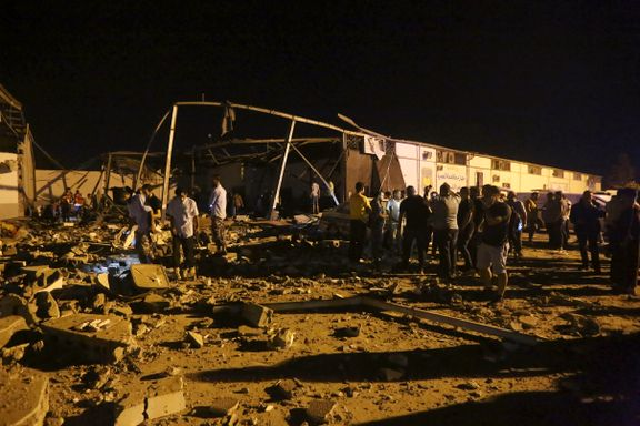 Mange innesperrede flyktninger og migranter drept i luftangrep i Libya
