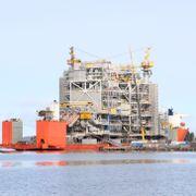 Kostnadssprekk og usikker etterspørsel: SV krever nye oljeregnestykker på bordet