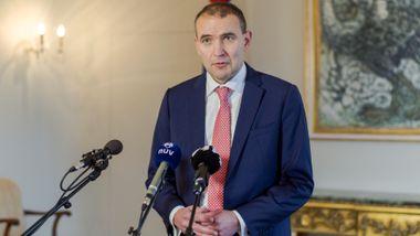 Islands statsminister solgte aksjer i bank timer før den kollapset