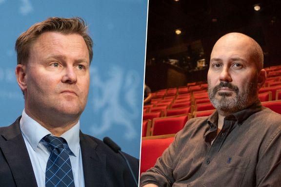 I Norge er grensen 200 publikummere. I Danmark er den 500. Begrunnelsen vekker harme.
