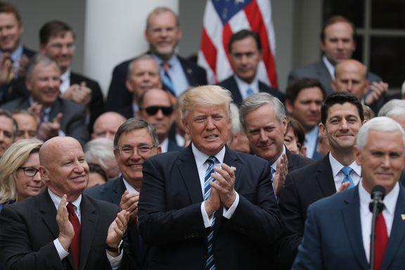 Republikanerne presset gjennom «Trumpcare», men demokratene reagerte med hånlig sang i Kongressen da avstemningen var over.