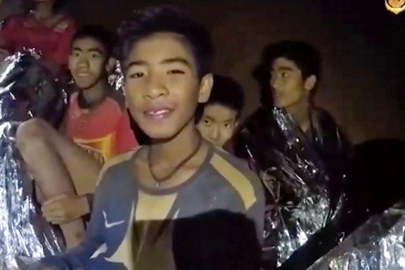 Guttene i grotten til læreren: – Ikke gi oss mye lekser!