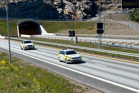 Dødsulykken på E 18: Lastebilsjåfør gikk ut i veien og ble påkjørt
