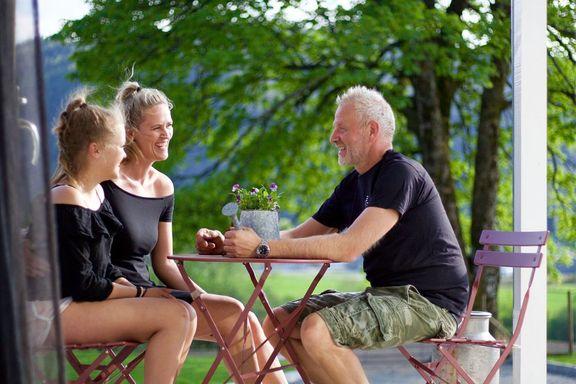 Fire sauer i 40-årsgave ble spiren til et totalt taktskifte for Lasse Eide og Hege Flesjå. – Vi har fått en helt annen ro.