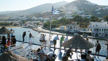 Fem nordmenn pågrepet i Hellas, mistenkt for å ha brukket bena på en norsk 18-åring