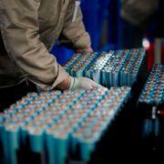 Batterier revolusjonerer verden. Her er noen aksjer småsparerne bør vurdere.