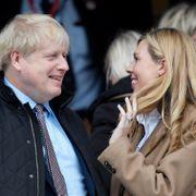 Fra intensivavdelingen til fødeavdelingen: Boris Johnson er blitt far igjen