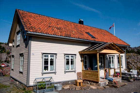 Det gamle huset skulle rives. Nå har det fått nytt liv på ny tomt ytterst i havgapet.
