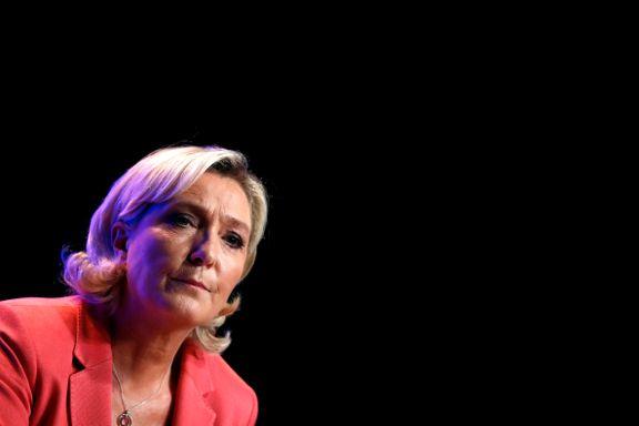 Le Pen fikk russisk lån – nå betaler partiet over én million kroner hver måned til mystiske «Ms Romanova»