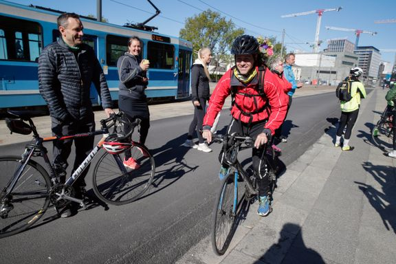 Hareide revurderer omstridt fartsgrense for syklister