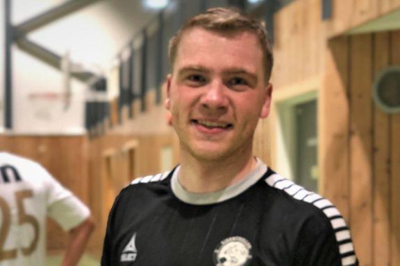 Jonas (28) var en av utbryterne i Fløya – nå åpner han opp om fremtiden etter et år uten fotball