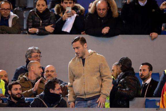 Roma-fansen serverte pipekonsert til treneren som vraket legenden