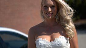 Leter etter brudekjolen sin på nett: – Angrer på at jeg solgte den