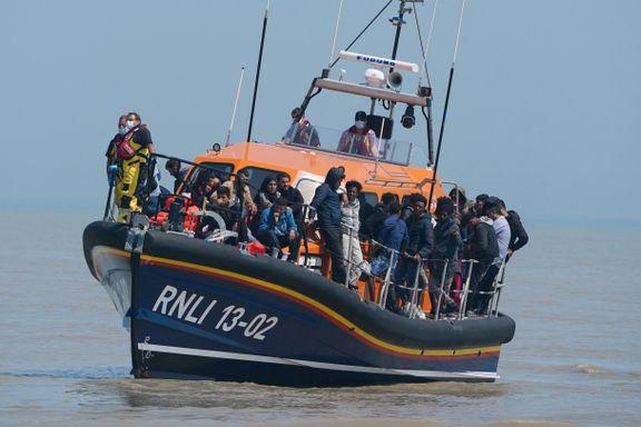 Aldri før har så mange migranter krysset den engelske kanalen. Nå sier britene stopp.