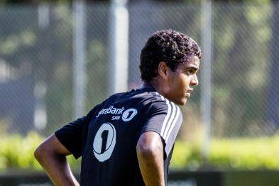 Han er bare 18. Men nå er unggutten Rosenborgs førstevalg