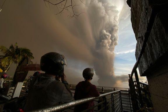 Flere titall tusen evakuert grunnet vulkanutbrudd på Filippinene