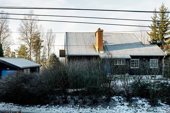 Huset skal rives, og seks nye skal bygges. Nå vil både venstresiden og høyresiden gjennomgå reglene.