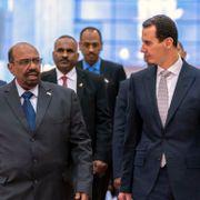 Anklages for krigsforbrytelser, men nå er Syrias president på vei inn i varmen igjen