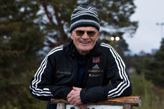 Helge Brekke (77) er på rekordjakt. Her er hans råd til sofagrisane.