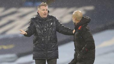 Aston Villa-manageren raste etter Manchester City-scoring og ble utvist