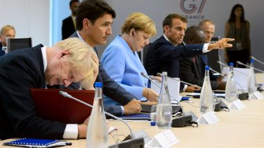 Pandemien sendte noen verdensledere til himmels, mens andre sliter
