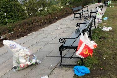 Søppelet lå strødd etter russefest på St. Hanshaugen
