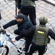 Hundrevis pågrepet etter demonstrasjoner i Hviterussland